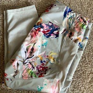 Pants - Floral Capri Legging